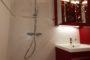 Salle de bain Rouge III